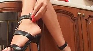 Mistress Lera Foot Tease