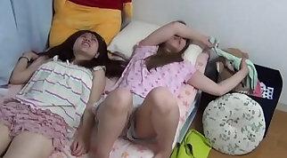 Cute Asian teenager piss play