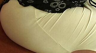 Chubby mature seductress Leilani Lee gives good blowjob