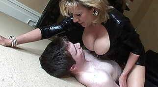Busty Dominates Young Neighbor to Asszess For Dominance