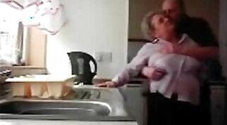 Amateur dad loses weight hidden cam