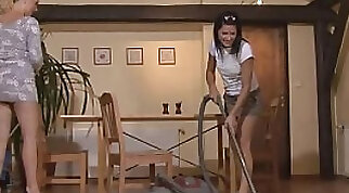 Crazy Hot mother girlfriend takes on long hunted stiff stick - Lynx Linares