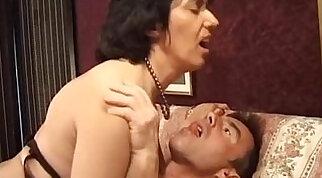 Italian mature sexy video porn Matura italiana asseta di cazzo